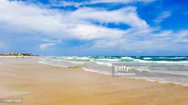 welcome to the beach! - crmacedonio fotografías e imágenes de stock