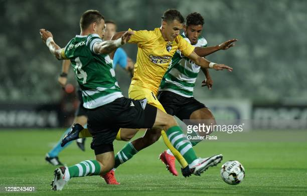 Welinton Junior of Portimonense SC in action during the Friendly match between Portimonense SC and Sporting CP at Portimao Estadio on August 28, 2020...