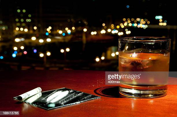 well drink and cocaine - cirrhosis stock pictures, royalty-free photos & images
