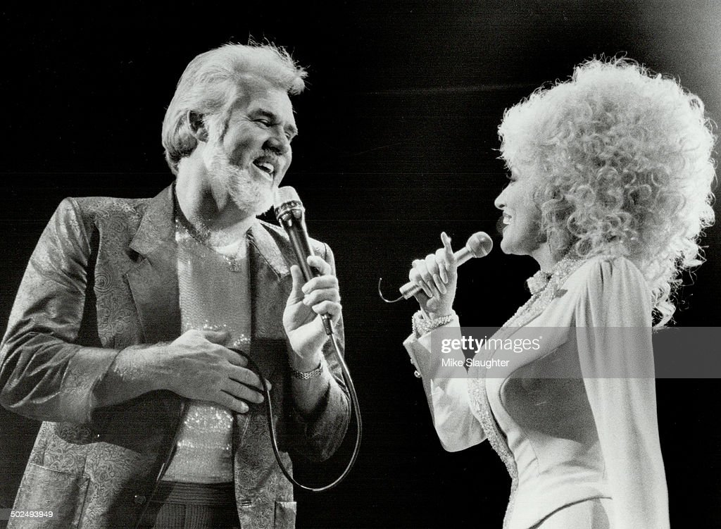 Well; hello Dolly Parton!: . . . it was so nice to have you back in town with Kenny Rogers at Maple  : News Photo
