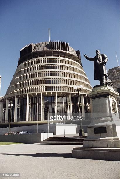 Das wegen seiner Form 'Beehive' genannte Parlament Aufgenommen 1997