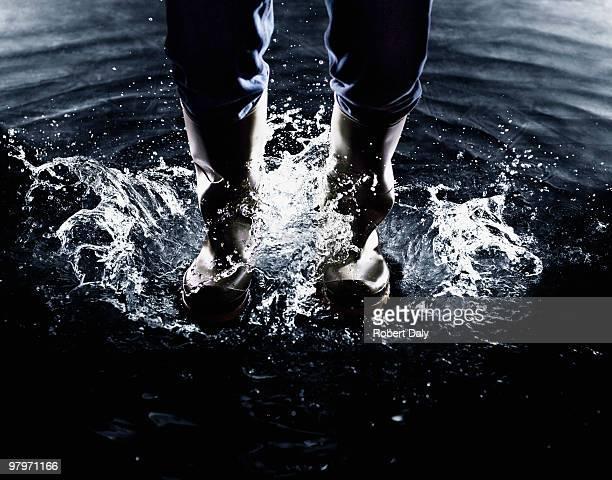 Wellington sumergirse en agua