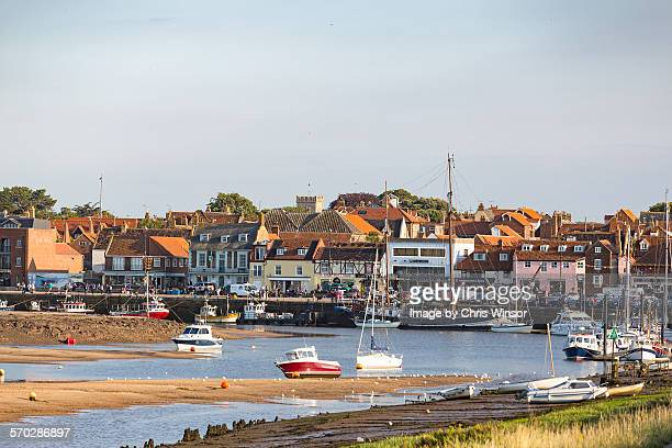 wells harbour - norfolk east anglia foto e immagini stock