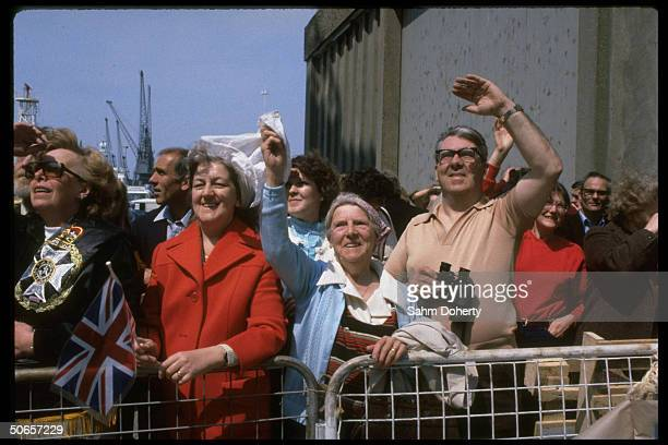 Wellwishers on dock as soldiers on QE2 depart for Falklands