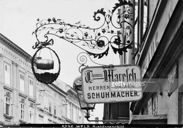 Poster child for an inn. About 1910. Photograph by Bruno Reiffenstein . Wels: Aushängeschild für ein Gasthaus. Um 1910. Photographie von Bruno...