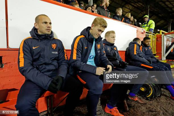Welsey Sneijder of Holland Matthijs de Ligt of Holland Donny van de Beek of Holland on the bench during the International Friendly match between...