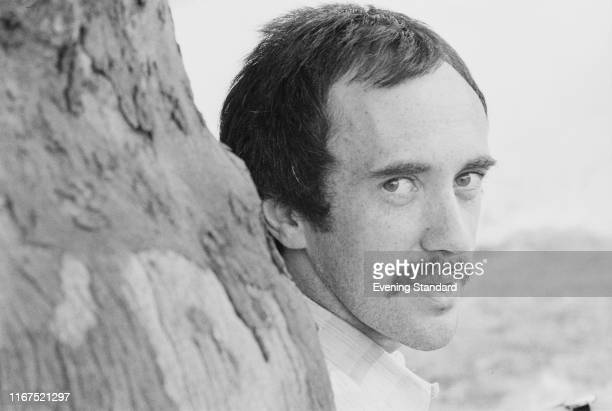 Welsh actor and singer Jonathan Pryce UK 1st July 2976