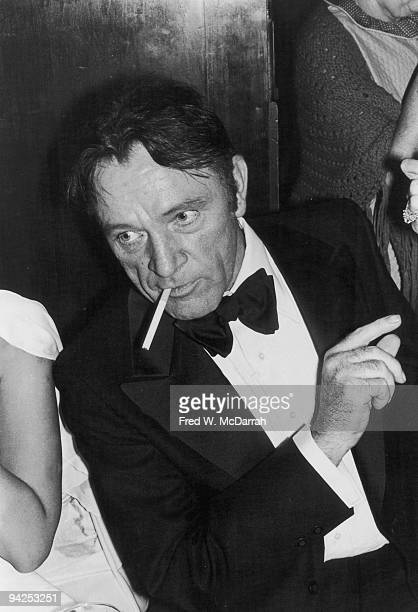 Welsh actor Richard Burton attends the Tony Awards New York New York April 16 1976 Burton received a Special Award