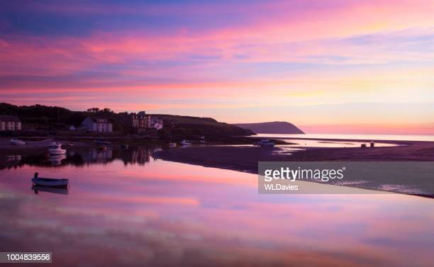 welsh coastal sunset - newport wales stock pictures, royalty-free photos & images