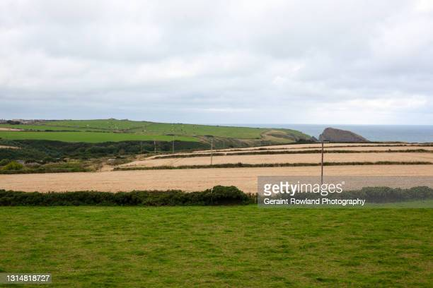 welsh coastal views - geraint rowland stock pictures, royalty-free photos & images