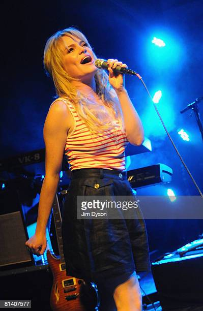 Welsh singer Duffy performs at the Shepherd's Bush Empire on June 4, 2008 in London, England.