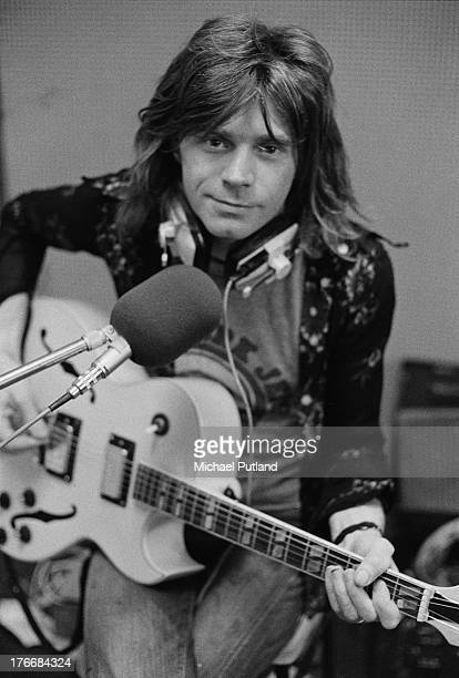 Welsh singer, guitarist and record producer Dave Edmunds at Rockfield Studios, Monmouthshire, Wales, September 1973.