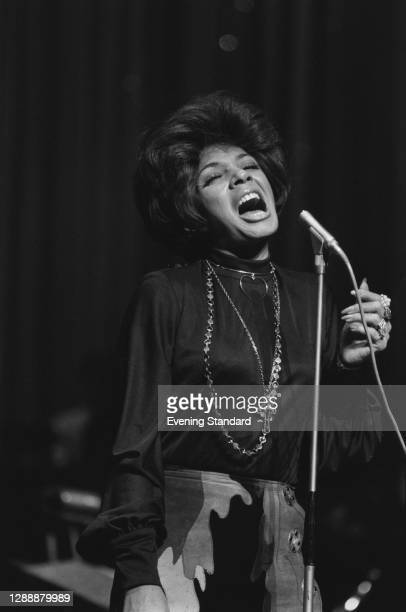 Welsh singer Shirley Bassey performs at the Royal Variety Show in London, UK, November 1971.