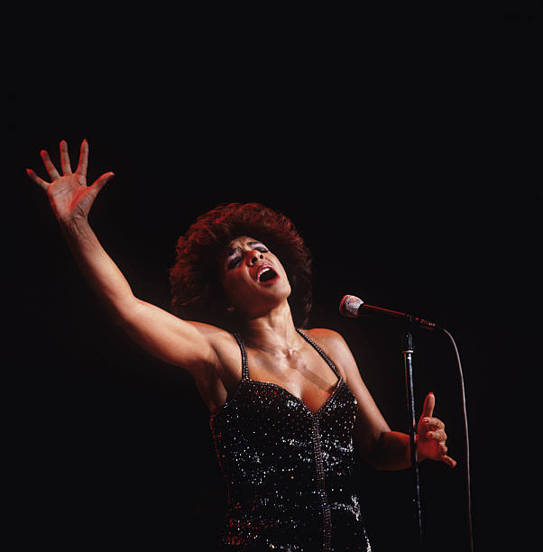 Shirley Bassey Performs On Stage
