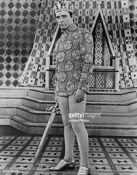 Welsh stage and cinema actor Richard Burton on stage as King Arthur in the Broadway musical 'Camelot' at the Majestic Theatre New York City USA 1960