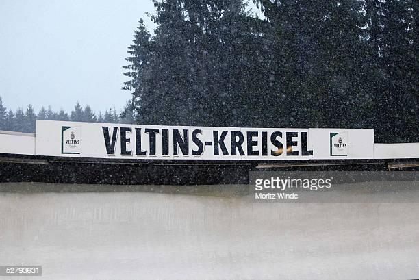 Weltcup 03/04, Winterberg; Maenner/wegen schlechten Wetters wurde der Weltcup abgebrochen; Schneesturm im Veltins - Kreisel