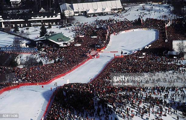 Weltcup/WC 96/97 Kitzbuehel/AUT 250197 Zielbereich der Herrenabfahrt am Hahnenkamm/Streif