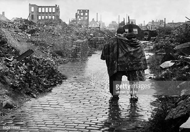World S Best Hamburg 1945 Stock Pictures Photos And Images