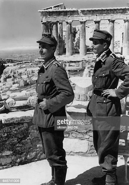 Weltkrieg, Griechenland, Deutsche Soldaten nach ihrem Einzug in Athen vor der Akropolis