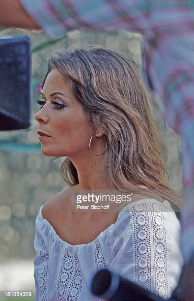 """Wencke Myhre, während den Dreharbeiten zur ZDF-Musik-Show """"Wencke Myhre-Show"""", Acapulco, Mexiko, Mittel-Amerika, Kreolen, Sängerin, ;"""