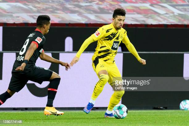 Wendell of Bayer 04 Leverkusen and Jadon Sancho of Borussia Dortmund battle for the ball during the Bundesliga match between Bayer 04 Leverkusen and...