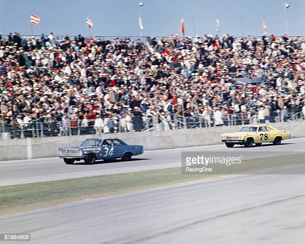 Wendell Scott drives his 1965 Ford Galaxy during a race circa 1966.