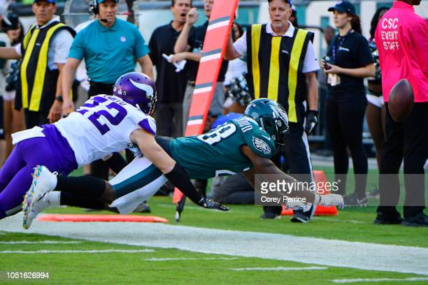 Wendell Smallwood of the Philadelphia Eagles can't catch a pass as Harrison Smith of the Minnesota Vikings defends during the second quarter at...