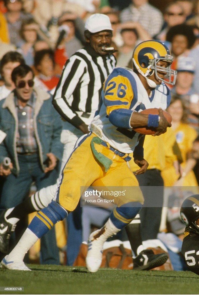 Super Bowl XVI - Pittsburgh Steelers v Los Angeles Rams : News Photo