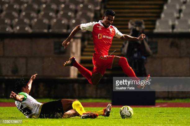 Wenderson Galeno of SC Braga with Rodolfo Simoes of Olimpico Montijo in action during the Portuguese Cup match between Olimpico Montijo and SC Braga...