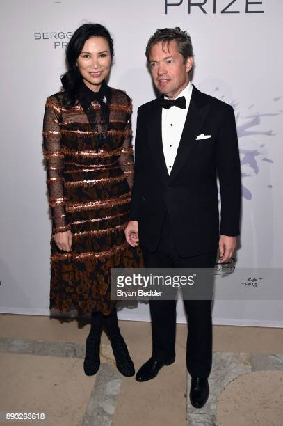 Wendi Deng and Chairman of the Berggruen Institute Nicolas Berggruen attend the Berggruen Prize Gala at the New York Public Library on December 14...