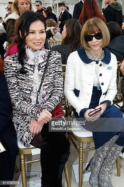 Wendi Deng Murdoch and Anna Wintour attend the Chanel show as part of the Paris Fashion Week Womenswear Fall/Winter 2016/2017 on March 8 2016 in...