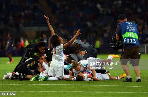 Wendi Renard of Olympique Lyonnais celebrates with her team mates during the UEFA Women's Champions League Final match between Lyon and Paris Saint...