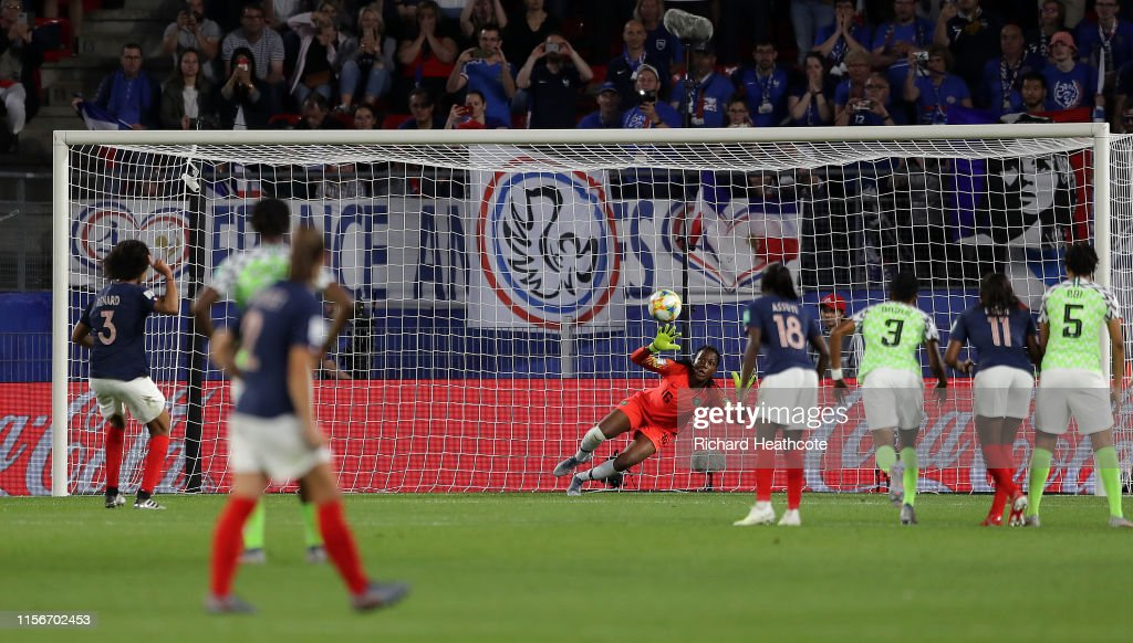 Nigeria v France: Group A - 2019 FIFA Women's World Cup France : Photo d'actualité