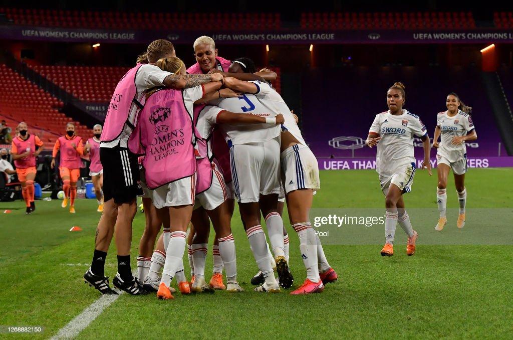 Paris Saint-Germain v Olympique Lyonnais - UEFA Women's Champions League Semi Final : News Photo