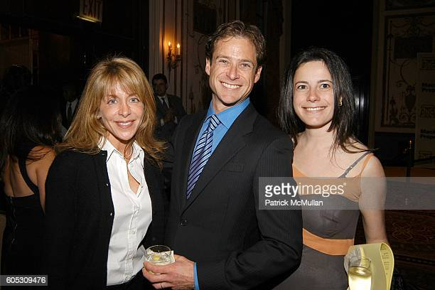 Wendy Frank Billy Macklowe and Dahlia Loeb attend PROJECT SUNSHINE Spring Gala Dinner honoring Billy Macklowe at Waldorf Astoria on May 15 2006 in...