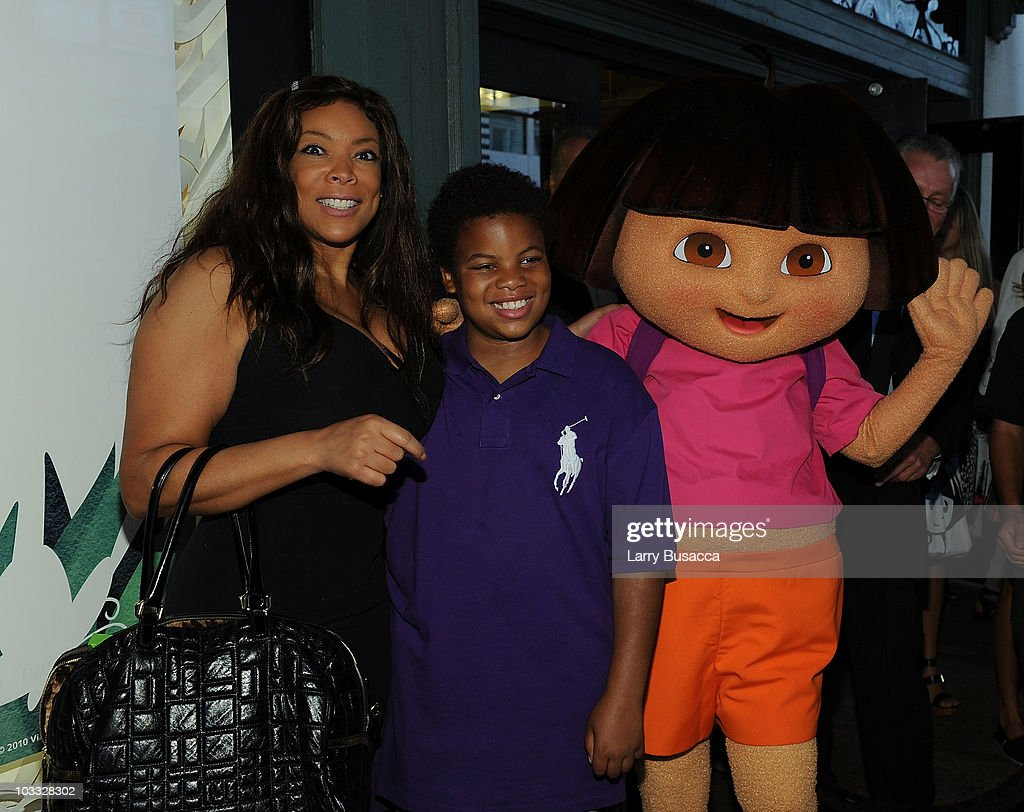 Nickelodeon's Beyond the Backpack Kicks Off Auction of Celebrity Backpacks : News Photo