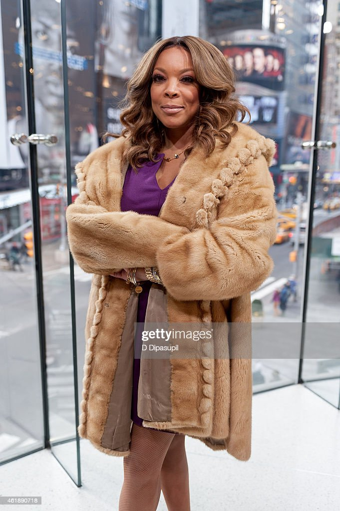 """Wendy Williams Visits """"Extra"""""""