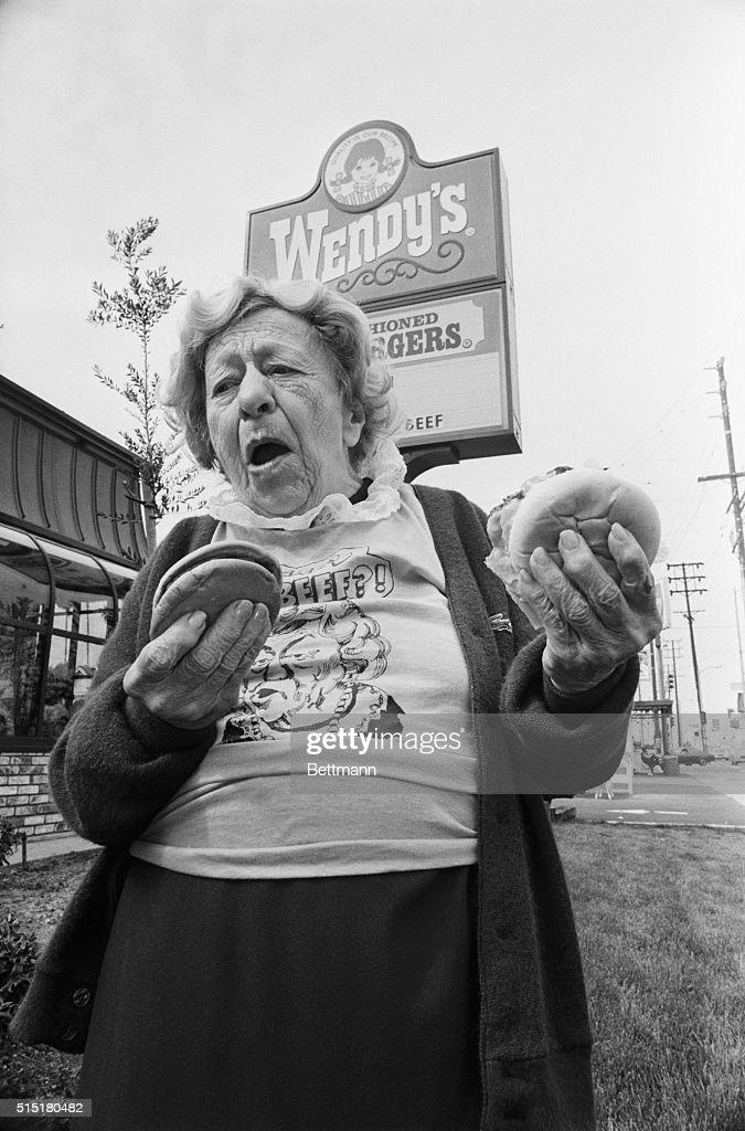 Clara Peller Outside a Wendy's Restaurant : News Photo