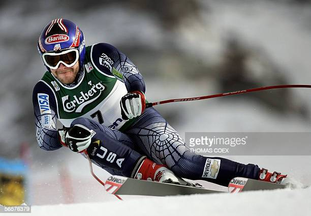Bode Miller competes during the second Alpine skiing World Cup men downhill training session in Wengen, 12 January 2006. Miller clocked the 4th time....