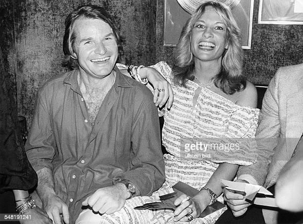 Wepper Fritz * Schauspieler D mit seiner Freundin Angela von Hohenzollern 1978