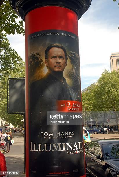 WerbePlakat an Litfaßsäule von Tom Hanks im Kinofilm Illuminati Berlin Deutschland Europa Reise