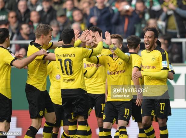 FUSSBALL 1 BUNDESLIGA SAISON SV Werder Bremen Borussia Dortmund 1 Matthias Ginter Henrikh Mkhitaryan Marco Reus und PierreEmerick Aubameyang