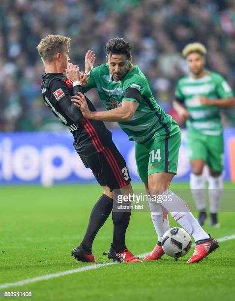 FUSSBALL 1 BUNDESLIGA 13 SPIELTAG SAISON SV Werder Bremen FC Ingolstadt Florent Hadergjonaj gegen Claudio Pizarro