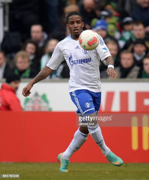 FUSSBALL 1 BUNDESLIGA SAISON SV Werder Bremen FC Schalke 04 Jefferson Farfan Einzelaktion am Ball