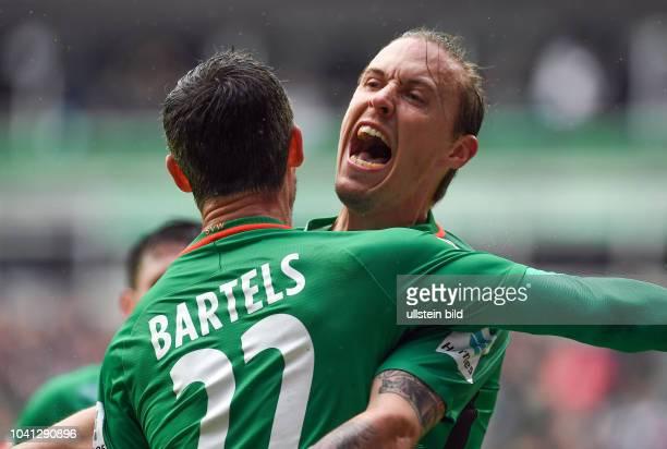 Werder Bremen - Hamburger SV Fin Bartels und Max Kruse jubeln nach dem 1:1