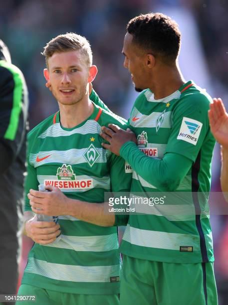 Werder Bremen - Hamburger SV Freude nach dem Abpfiff: Florian Kainz und Theodor Gebre Selassie