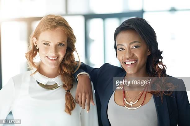 we're all aligned to the same vision of success - negócios finanças e indústria - fotografias e filmes do acervo