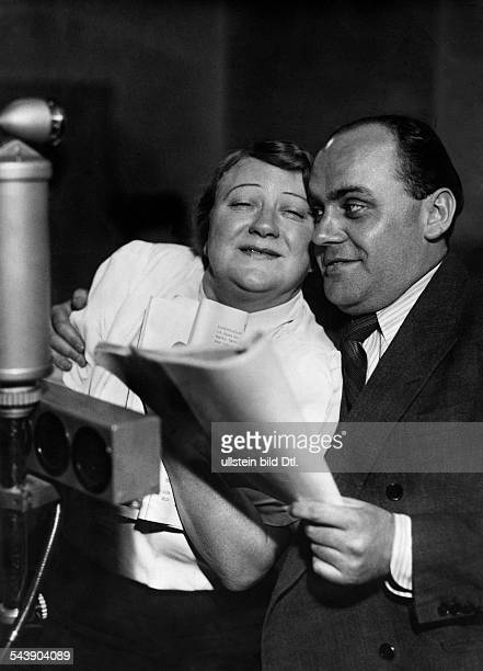 Werkmeister Lotte Actress Chansonnier Cabaret artist Germany*26121885as Lotte Beelitz and actor Reinhold Bernt as Max Menzel in the radio play...
