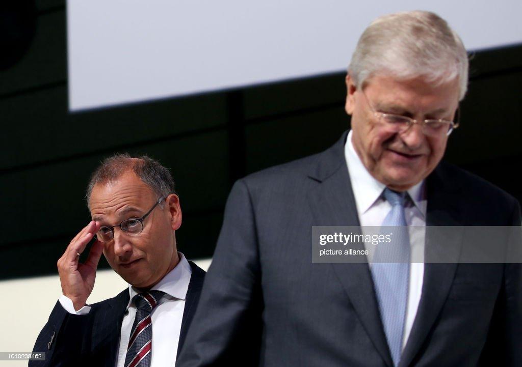 Werner Baumann, CEO of Bayer AG, with Werner Wenning , the ...