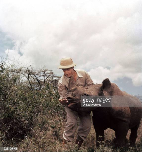 Werner Jacobs Szene: Münchhausen schließt Freundschaft mit einem Nashorn.